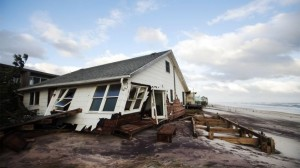 hurricane-sandy-collapse-home